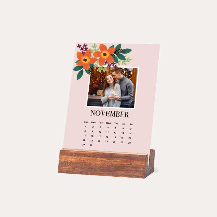 I'm New! Wood Easel Calendar