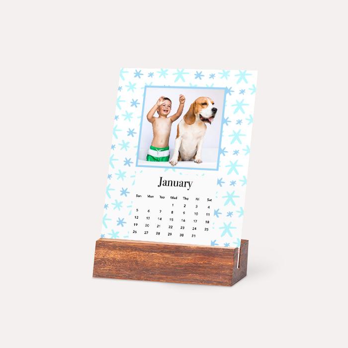 I'm New! Wood Easel Calendar