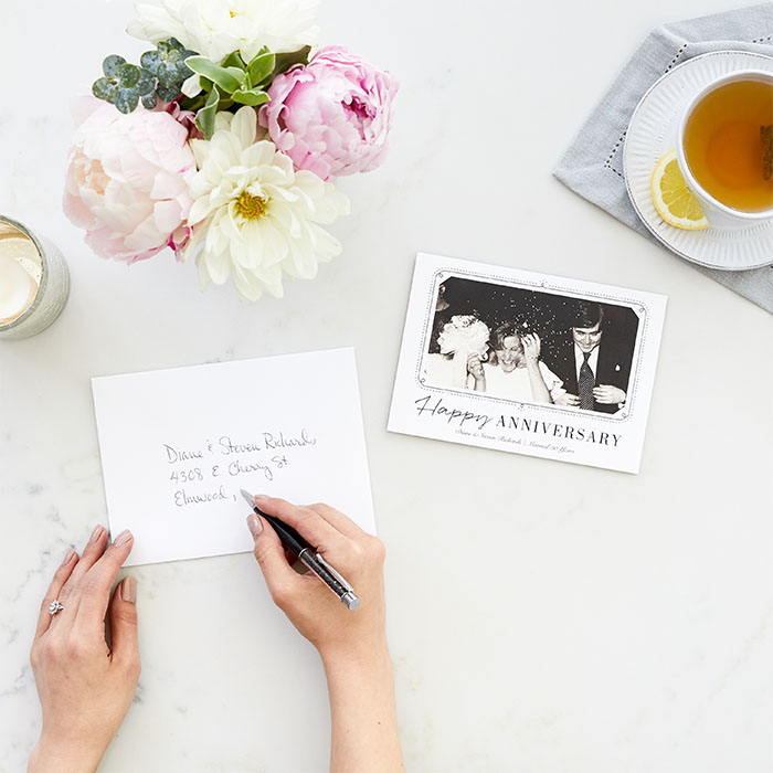 What to Write For Each Year's Wedding Anniversary Card